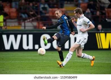 "Milan  Italy, 14 March 2013,"" G.Meazza - San Siro""  Stadium, UEFA Europa League 2012/2013 ,FC Inter - FC Tottenham : Rodrigo Plalacio and Jan Vertonghen in action during  the match"