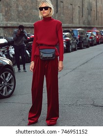MILAN- 21 September 2017 Linda Tol on the street during the Milan Fashion Week