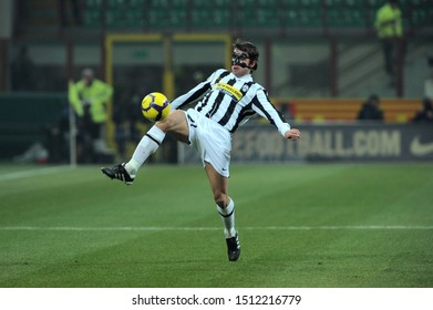 "Milan, 28 January 2010, Stadium ""G.MEAZZA SAN SIRO"", Football Championship  Italy Cup 2009/2010, FC Inter - FC Juventus:Zdenek Grygera with protective masks during the game"