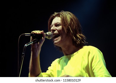 Milan Italy, 04 December 1999, live concert of David Bowie at the Alcatraz: The Singer David Bowie during the concert