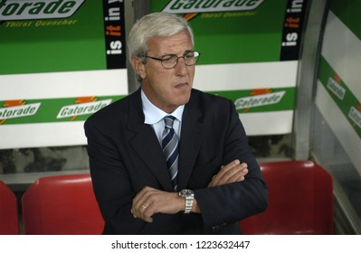 "Milan  Italy, 19 October 2002, ""G.MEAZZA SAN SIRO "" Stadium, Campionato di Calcio Seria A 2002/2003,  FC Inter - FC Juventus: The Juventus coach Marcello Lippi before the match"