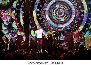 MILAN, ITALY, DECEMBER 10: Chris Martin and the Coldplay perform during the final night of X Factor Italy on December 10, 2016 in Milan, Italy.