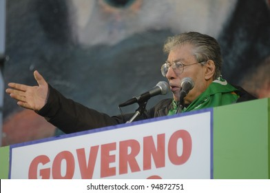 MILAN, ITALY - JANUARY 22: Lega Nord demonstration held in Milan on January, 22 2012: Umberto Bossi at Lega Nord demonstration fighting against Monti government and south of Italy