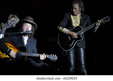 MILAN, ITALY - JUN 7: Zucchero performs live at the Arena Civica on June 7, 2007 in Milan, Italy