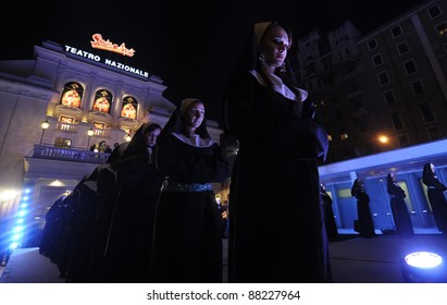 MILAN, ITALY - OCTOBER, 27: show outside Teatro Nazionale during the photocall of first release of the show 'SISTER ACT' in Italy on October, 27 2011 in Milan, Italy.