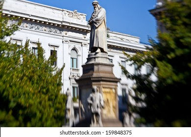 MILAN, ITALY - SEPTEMBER 12: Leonardo statue on Piazza della Scala on September 12, 2013 in Milan. Leonardo da Vinci was an Italian Renaissance polymath.