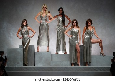 MILAN, ITALY - SEPTEMBER 22: Carla Bruni, Claudia Schiffer, Naomi Campbell, Cindy Crawford and Helena Christensen  on the runway at the Versace show Spring/Summer 2018  on September 22 in Milan, Italy