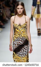 MILAN, ITALY - SEPTEMBER 22: Felice Noordhoff walks the runway at the Versace show during Milan Fashion Week Spring/Summer 2018 on September 22, 2017 in Milan, Italy.