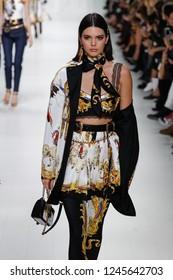 MILAN, ITALY - SEPTEMBER 22:  Kendall Jenner walks the runway at the Versace show during Milan Fashion Week Spring/Summer 2018 on September 22, 2017 in Milan, Italy.