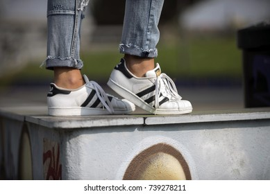 adidas superstars shoes