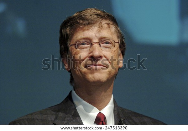 MILAN, ITALY-NOVEMBER 18, 2004: Microsoft founder Bill Gates during the Futurshow convention, in Milan.