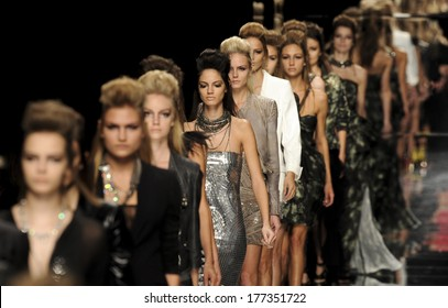 MILAN, ITALY-SEPTEMBER 27, 2009: Models runway catwalk during the John Richmond spring-summer fashion collection.
