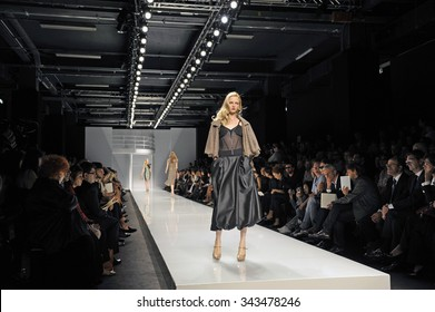 MILAN, ITALY-SEPTEMBER 28, 2009: female models on catwalk during a Lublu K. Plastinina fashion show, displaying the spring-summer collection, in Milan.