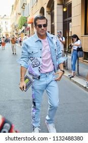 MILAN - JUNE 16: Carlo Sestini before Versace fashion show, Milan Fashion Week street style on June 16, 2018 in Milan.