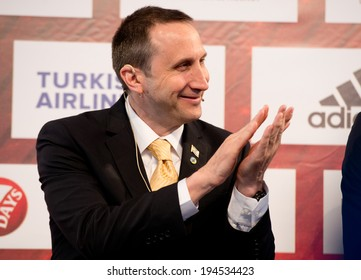 MILAN - MAY 15: Maccabi Electra Tel-Aviv's head coach David Blatt attends the opening press conference of the Turkish Airlines Euroleague Final Four at Piazza Duomo on May 15, 2014.