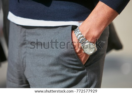 d2df39308b15ba MILAN - SEPTEMBER 23: Man wrist with Rolex Datejust watch with white dial  before Antonio