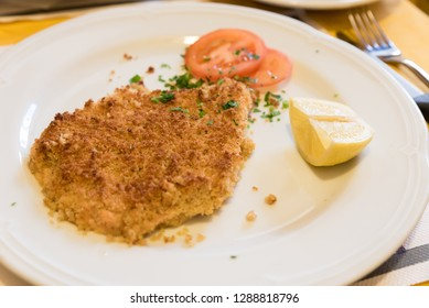 Milanese cutlet with lemon
