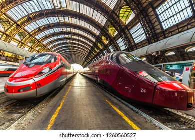 Admirable Imagenes Fotos De Stock Y Vectores Sobre Frecciarossa Train Beatyapartments Chair Design Images Beatyapartmentscom