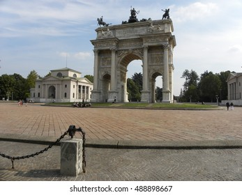 MILANO, ITALY - SEPTEMBER 23, 2016: The triumphal Arco della Pace erected in 1838 to celebrate peace in Europe after Congress of Vienna. One of the most important neoclassical buildings in Milano.