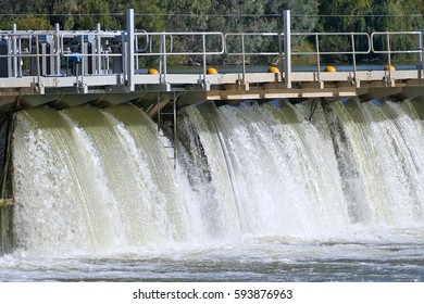 Mildura Weir. Lock 11, River Murray, Mildura, Victoria. Murray River Locks.