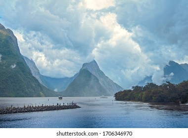 Milford Sound -New Zealand fjordland