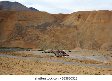 Military camp in Ladakh on the way Manali - Leh.