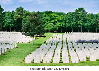 Military cemetery of soldiers who died  during  the First World War and  the Second World War.