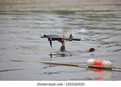 Military endurance swimming training