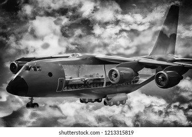 militaty heavy aircraft (plane)) deliver tanks to war