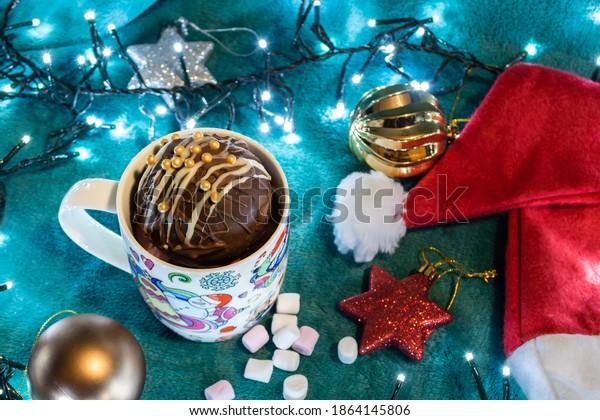 milk-chocolate-bomb-mini-marshmallows-60