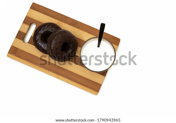 milk-donuts-seen-above-600w-1790943965.j