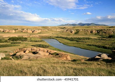 Milk River and badlands in Writing-On-Stone Provincial Park, Alberta, Canada.