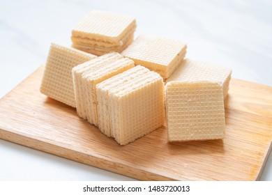 milk wafer with milk cream