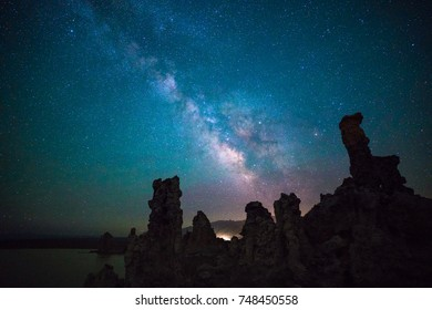 Milky way over the Tufa, Mono lake, California