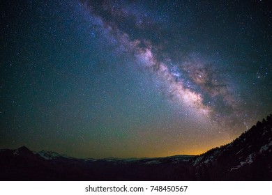Milky way over Yosemite national park