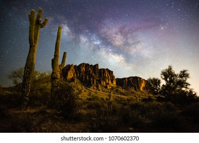 Milkyway rising behind the superstition mountains.