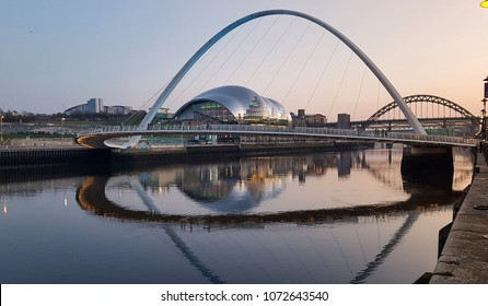 Millennium Bridge and Sage building, River Tyne, Gateshead, Newcastle