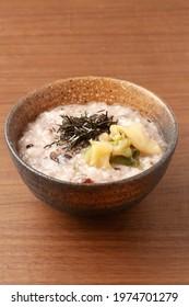Millet rice porridge with  Zha cai and  seaweed