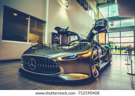 milton keynesuk 10112017 mercedes benz vision gran turismo stockfoto