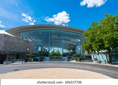 MILTON KEYNES,UK-AUGUST 14,2017:Intu Central Milton Keynes Shopping Centre is a regional shopping centre located in Milton Keynes, Buckinghamshire, England which is about 50 miles north-west of London