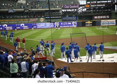 MILWAUKEE - APRIL 24: The Chicago Cubs take the field for batting practice before a game against the Brewers under a closed dome at Miller Park on April 24, 2010 in Milwaukee, Wisconsin.