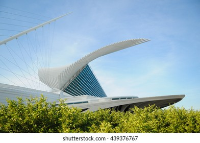 MILWAUKEE - JUNE 11: The unfolded wings of the Milwaukee Art Museum bask in the sunlight on June 11, 2016 in Milwaukee, Wisconsin, USA.