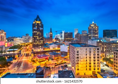 Milwaukee, Wisconsin, USA downtown cityscape at night.