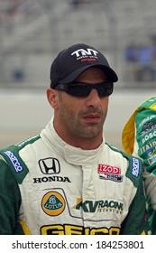 MILWAUKEE, WISCONSIN, USA - JUNE 19, 2011: No. 82 Tony Kanaan, Brazil KV Racing Technology - Lotus