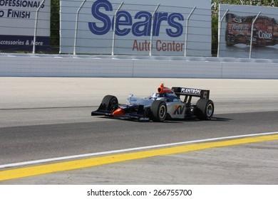 Milwaukee, Wisconsin USA - May 30, 2008 - IndyCar Racing League. Milwaukee Mile 2008. Friday practice session on track. Oriol Servia (R), Spain - KV Racing