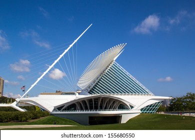 "MILWAUKEE, WISCONSIN,USA-SEPTEMBER 25:The Milwaukee Art museum welcomes visitors on September 25, 2013. The ""wings"" of this unique building fold and unfold twice daily."