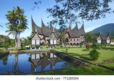 The Minangkabau Cultural Documentation and Information Center ( Rumah Gadang, Pusat Dokumentasi dan Informasi Kebudayaan Minangkabau - PDIKM ), Padang Panjang , West Sumatra , Indonesia