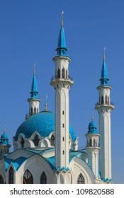 Minarets and dome. Kul-Sharif mosque