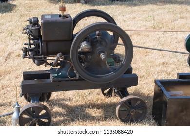 Minature steam engine with wheel