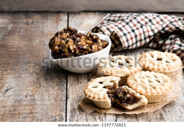 Mince  pie group on wooden table